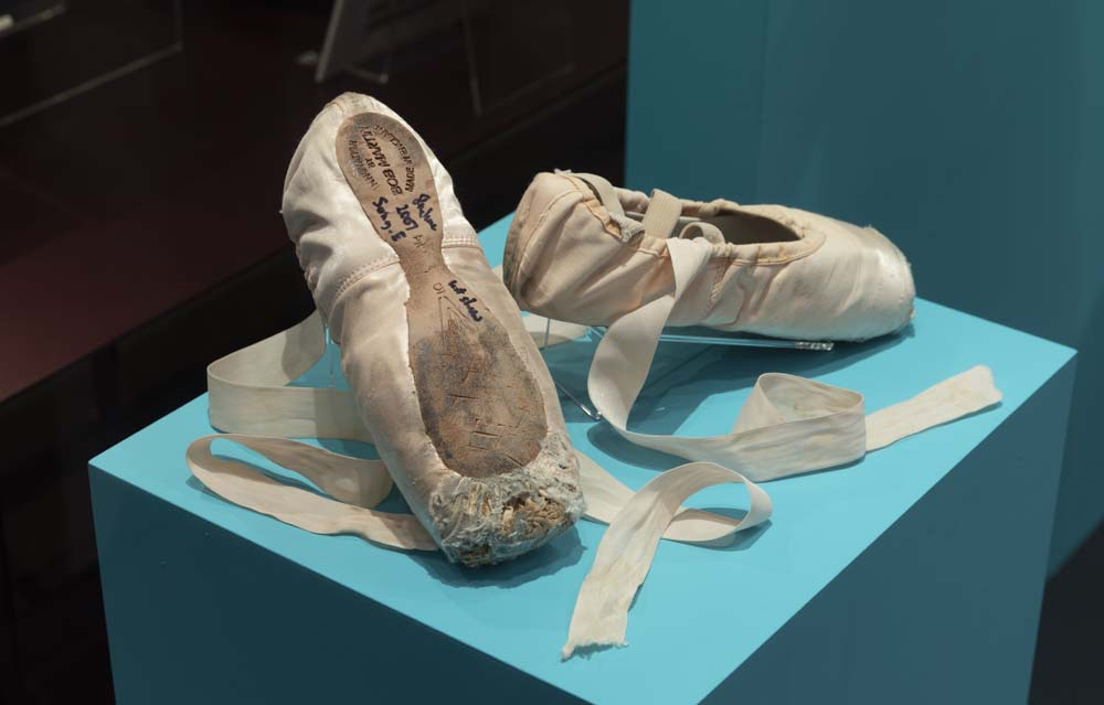 Pointe shoes worn by Darcey Bussell in Song of the Earth at her farewell performance as a member of The Royal Ballet, 2007